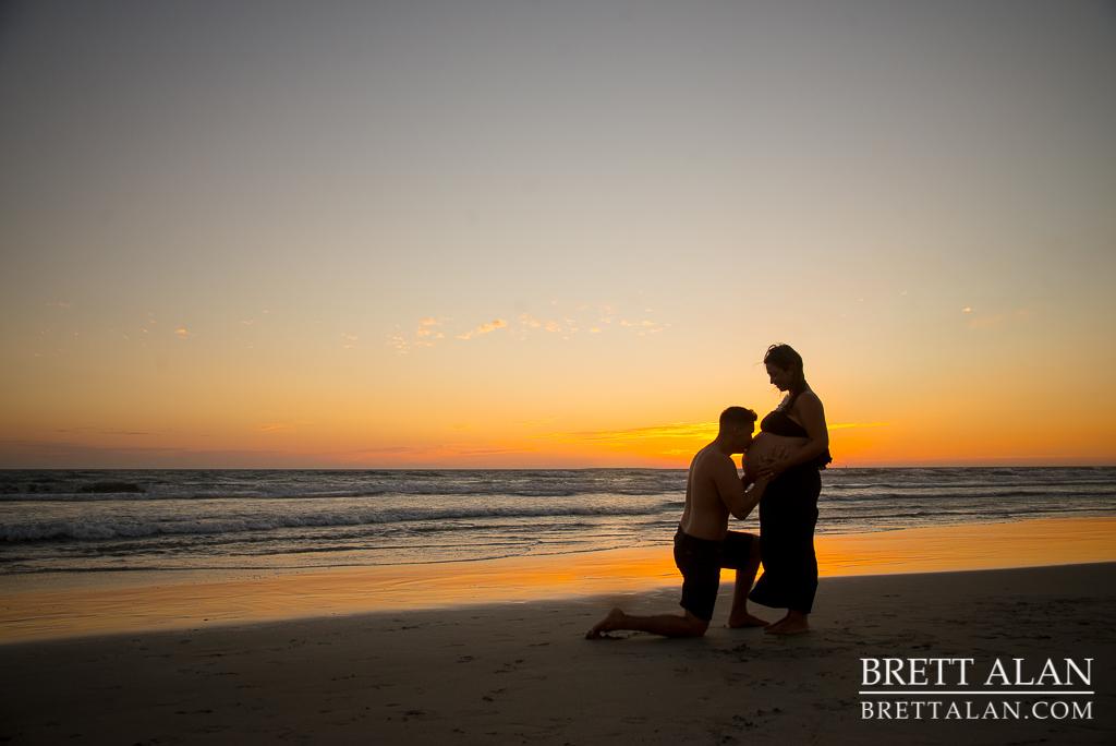 0013-Rodriguez-Maternity-Oceanside-Pier-2015-D61_9106