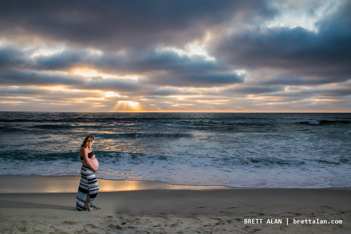Windansea Beach maternity photo session with Jennifer